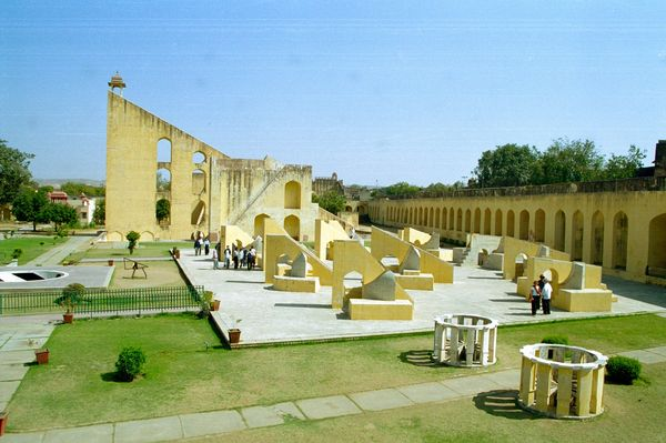 Observatoire et ses instruments géants construits par un Maharadja pour observer le ciel