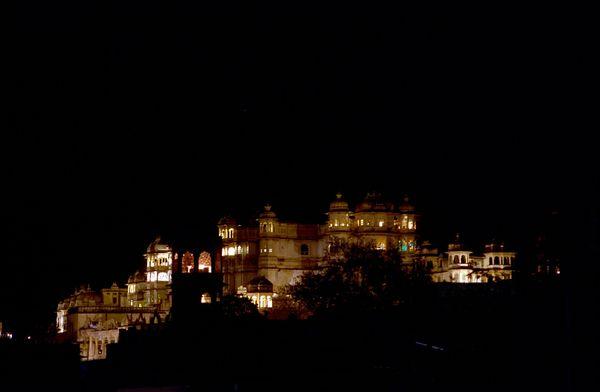City Palace by night! Palais du Maharadja