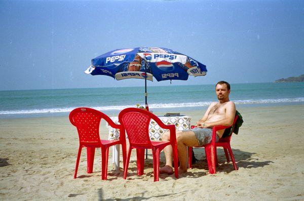 Petit déj sur la plage... Dhal, chapattis et riz