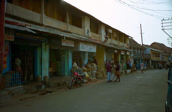 La rue des commerces d'épices en gros
