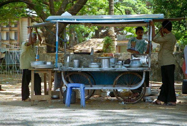 Restaurant ambulant dans lequel on a mangé des samosas... mais dans le sud, il n'y mettent pas de pommes de terre