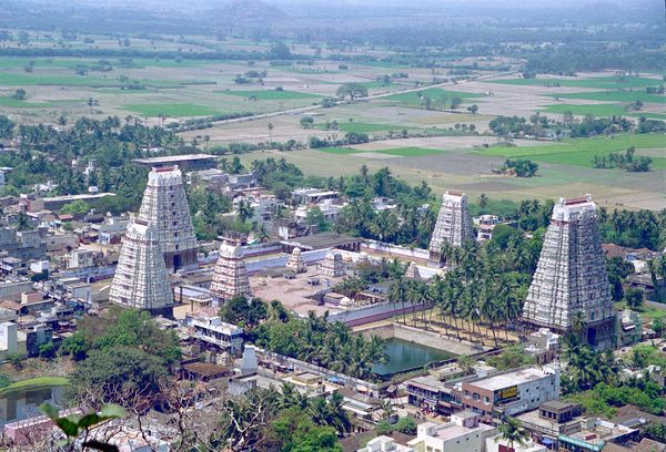 Vue depuis le temple du haut sur le grand temple du bas :-)